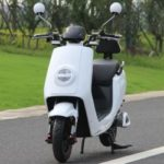 Скутер электро белого цвета купить Украина. Електро мопед ElWinn ECW-B1.