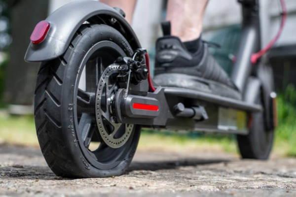 Read more about the article Ремонт шин у дорозі. Аварійний герметик швидкої дії для ремонту коліс.