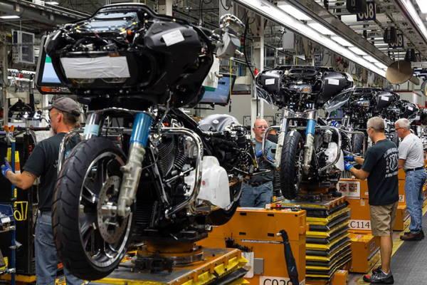Read more about the article Третій за величиною автовиробник Японії Honda Motor планує призупинити виробництво в Китаї.