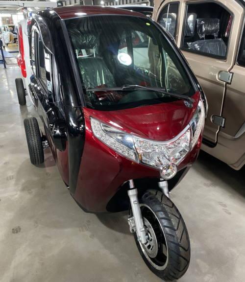 Трехколесный электро автомобиль