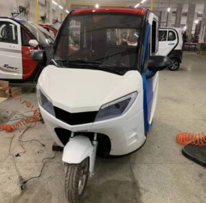 Триколісний електромобіль Elwinn X2