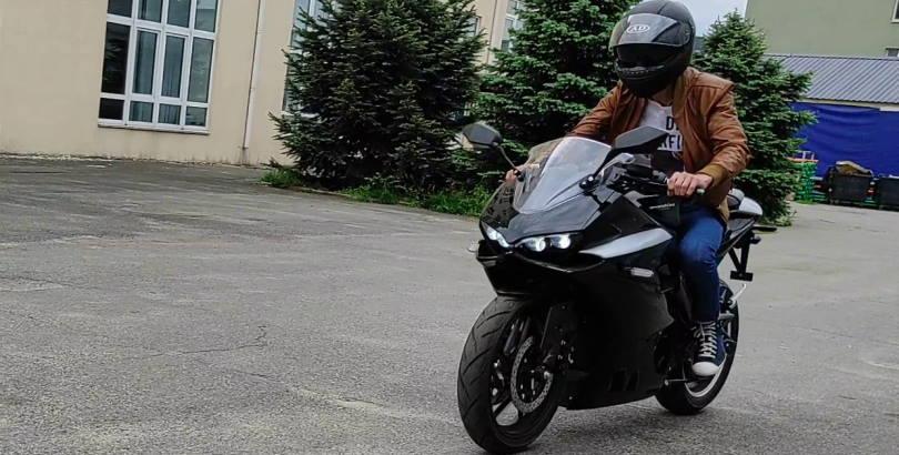 Обкатка мотоцикла электрического Elwinn Panigale